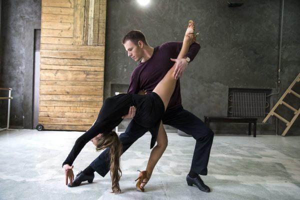 Для чего нужно посещать уроки танцев?